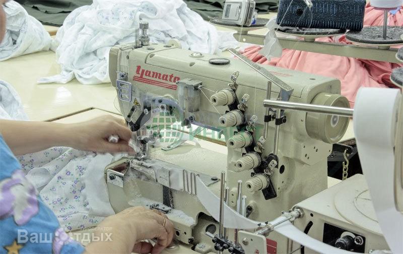 сувенирной продукции мелким и крупным оптом в г швейная фабрика русь женский трикотаж, одежда оптом